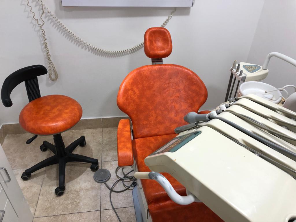"Clínica odontológica ""ODONTOLOGIA GUEMES MDQ"", ofrece dos opciones:"
